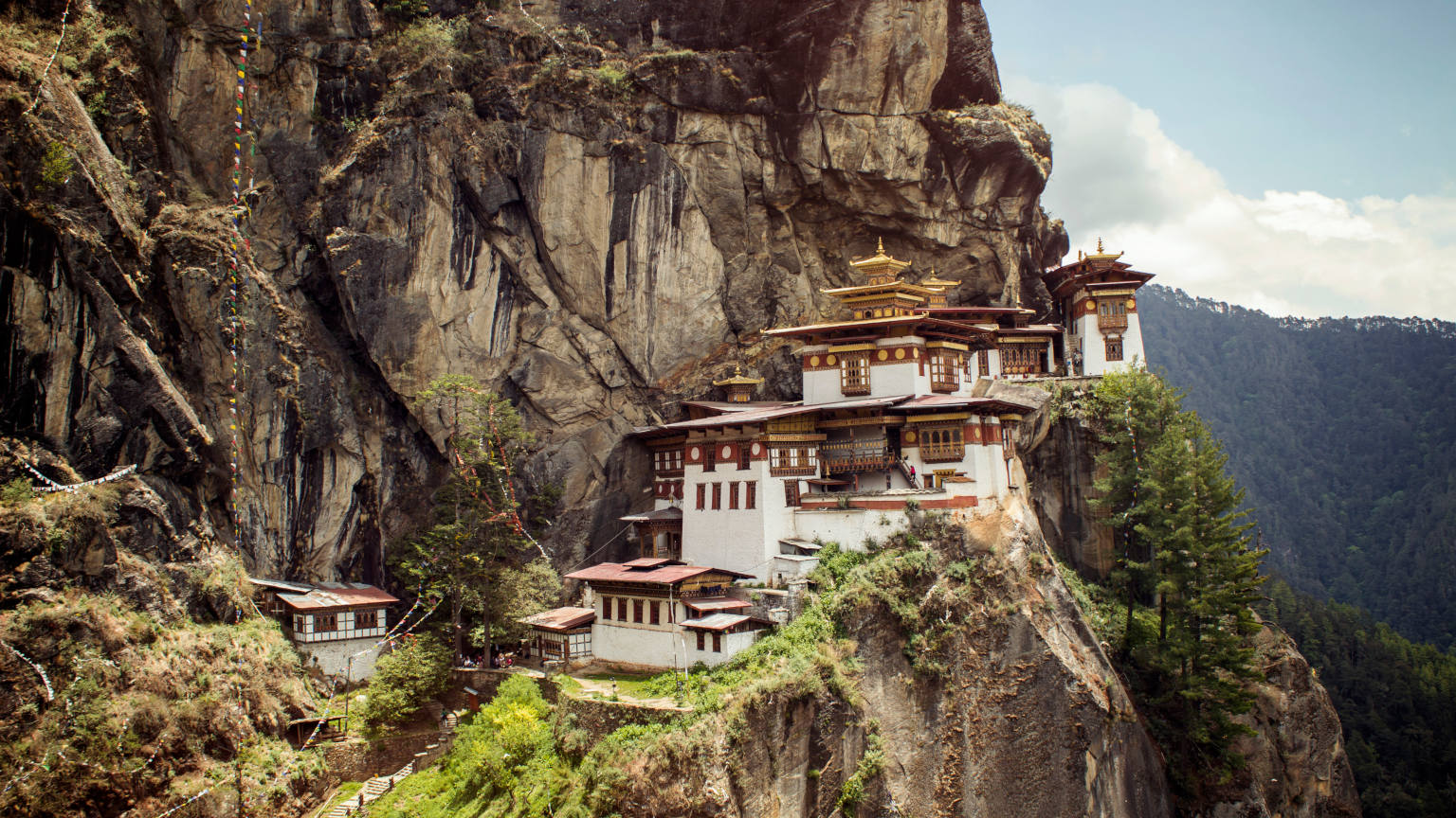 Bhutan-Paro-Valley-Tigers-Nest-Monastery-Mountain-Cliff-Mai-Anh-Dinh-banner
