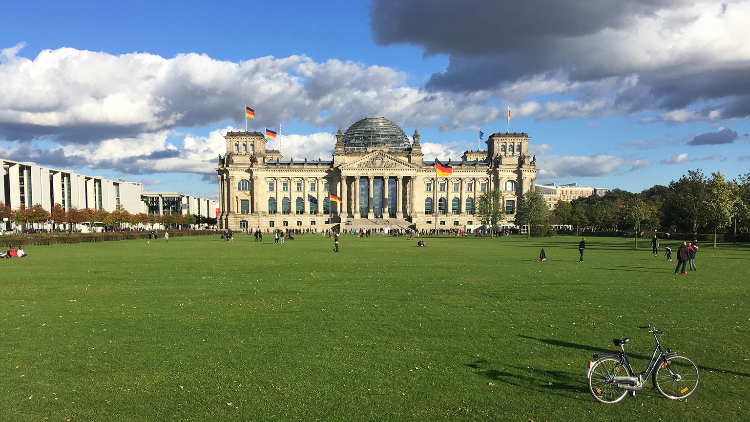 Eastern-Europe-Reichstag-Flickr-Whatknot