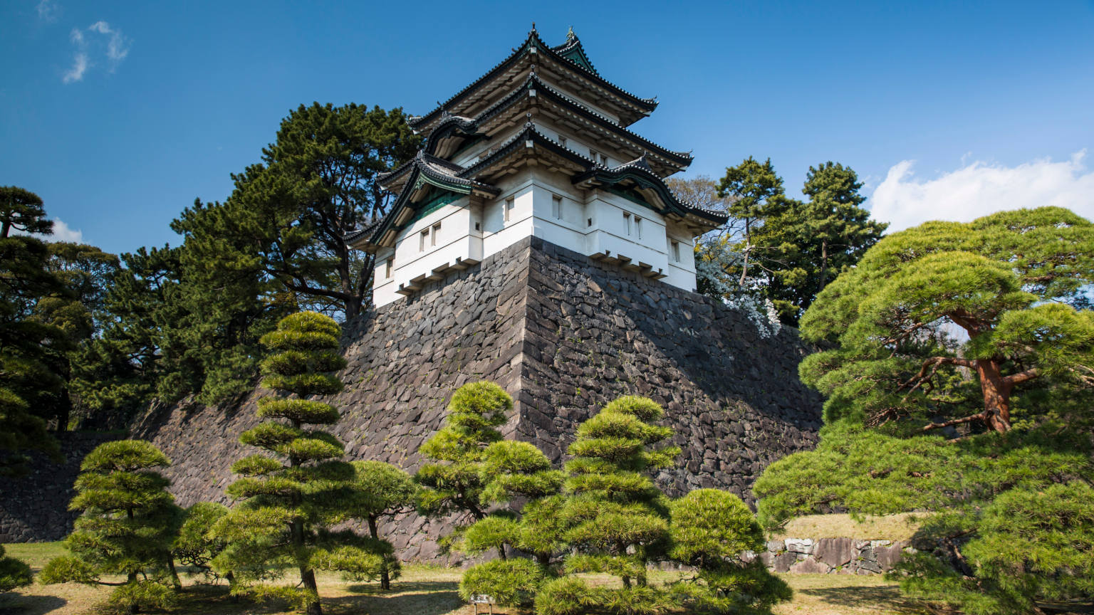 Japan-Tokyo-Imperial-Palace-East-Garden-cropped