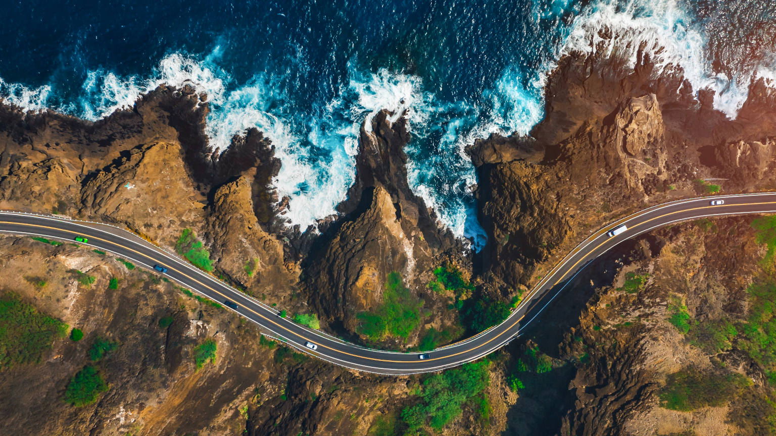Hawaii road Cropped pexels-lukas-rodriguez-3427774